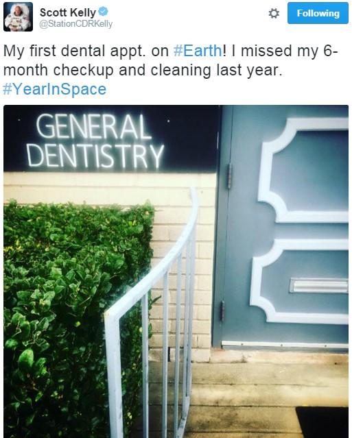 """""""Minha primeira consulta odontológica na Terra! Perdi meu check up e minha limpeza dos últimos seis meses"""", diz Scott (Foto: Reprodução/Twitter)"""