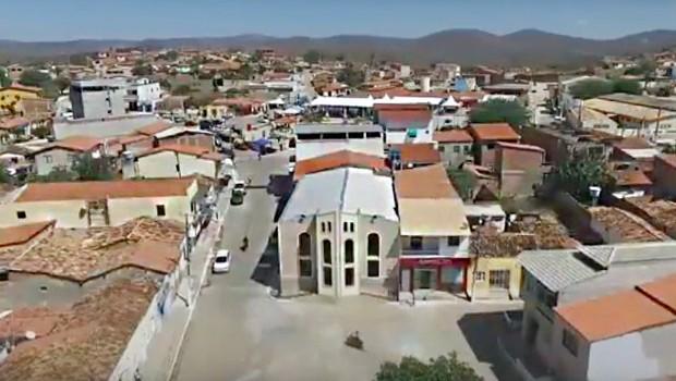 Bom Jesus da Serra, no interior da Bahia (Foto: Reprodução/YouTube)