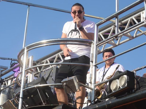 Safadão canta no circuito Dodô (Barra-Ondina) (Foto: Márcio Reis /Ag Haack)