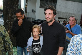 Rodrigo Lombardi no velório de Umberto Magnani (Foto: Amauri Nehn/Brazil News)