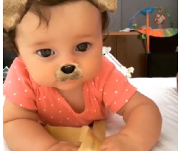 Madalena, de apenas 5 meses, já conquistou a internet (Foto: Reprodução Instagram)