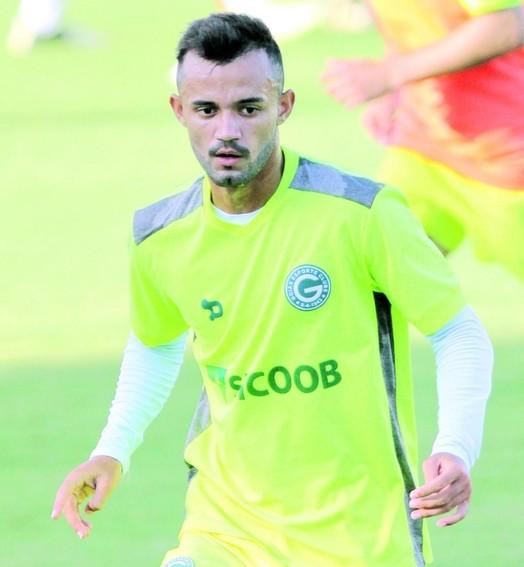 bola  pra frente (Rosiron Rodrigues / Goiás E.C.)