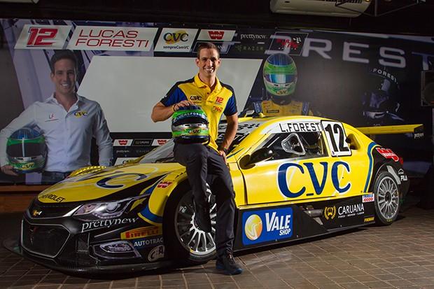 O piloto Lucas Foresti #12 apresentando seu Stock Car da equipe Full Time (Foto: Divulgação/Marcus Cicarello )