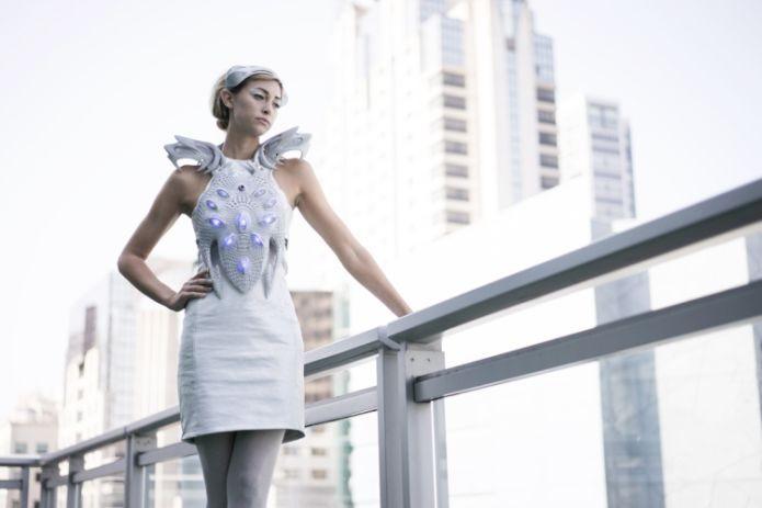 Vestido 3D lê neurônios no seu cérebro (Foto: Divulgação)