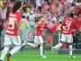 Artilheiros e rivais: sem Vitinho, Sasha  tenta abrir vantagem e classificar Inter