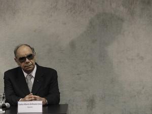 Carlos Alberto Brilhante Ustra, coronel reformado e ex-comandante do DOI-Codi-SP entre 1970 e 1974, comparece à Comissão Nacional da Verdade, em Brasília (Foto: Sérgio Lima/Folhapress)