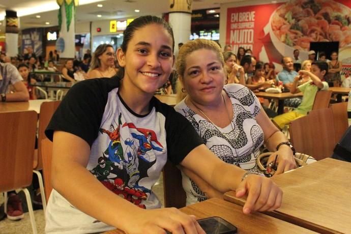 Mãe e filha prestigiaram o evento (Foto: Katiúscia Monteiro/ Rede Amazônica)