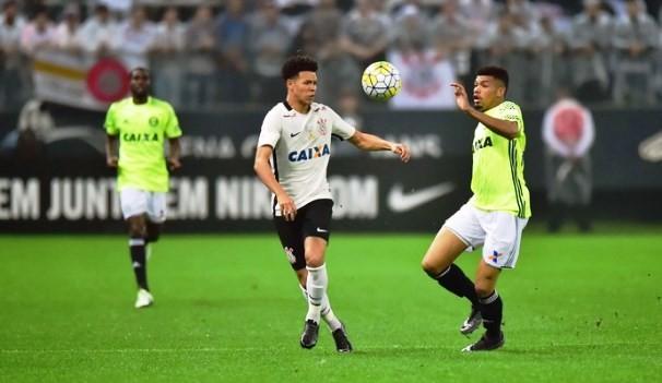 Corinthians e Coritiba se enfrentam nesta quarta  (Foto: Reprodução GE)