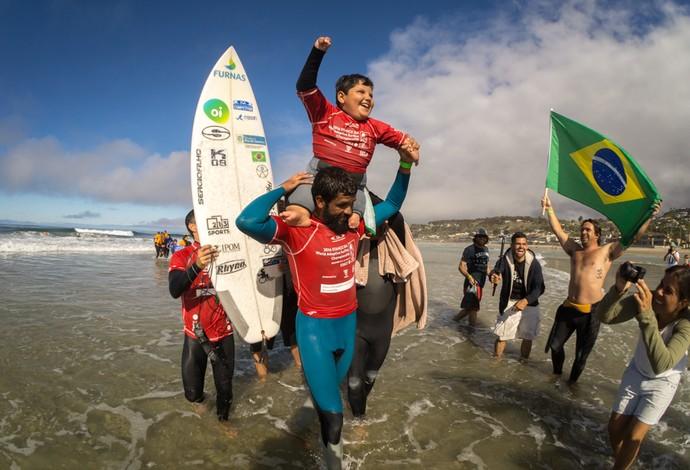 Vice-campeão no ano passado, Davizinho leva título mundial pela categoria Assist (competidores que precisam de auxílio no drop) (Foto: Divulgação/ISA)