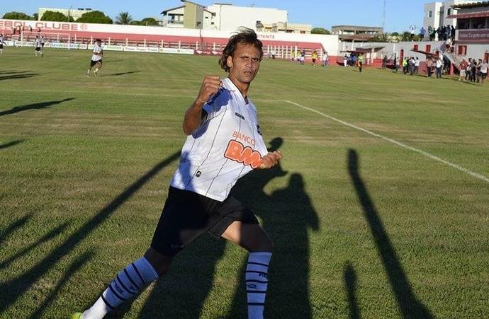 Pepeta, atacante do Rio Branco-ES (Foto: Sidney Magno Novo/GloboEsporte.com)