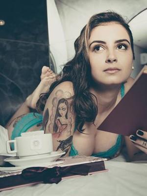 Lola Benvenutti, autora de 'O prazer é todo nosso' (Foto: Divulgação)