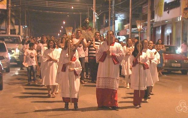 Atividades como quermésse, missa campal e procissão fizeram parte das comemorações (Foto: Bom Dia Amazônia)