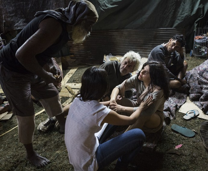 Bárbara Paz grava noturna nas ruas do Rio sob a direção de Joana Jabace. A personagem Nelita é bipolar (Foto: Ellen Soares/ Gshow)