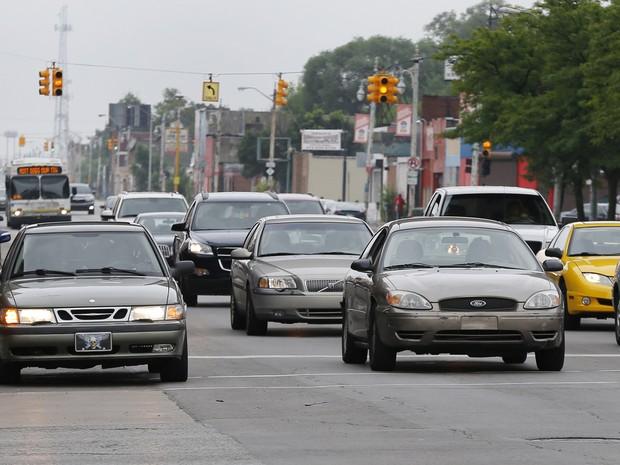 Trânsito em Detroit em 09/07/2015 (Foto: Paul Sancya/AP)