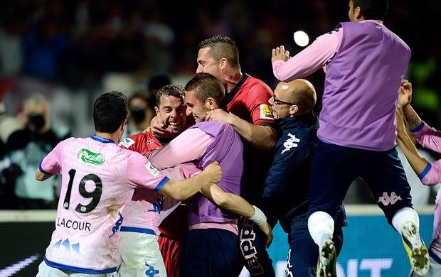 Johann Durand goleiro Evian comemoração PSG (Foto: AFP)