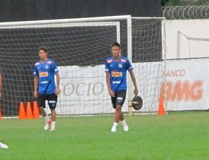 Neymar no treino do Santos CT Rei Pelé (Foto: Marcelo Hazan / Globoesporte.com)