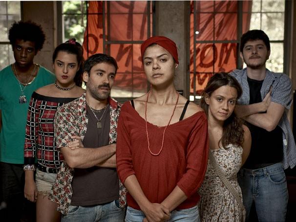 Elenco de 'Ocupação': texto inspirado em 'A Invasão', de Dias Gomes (Foto: Divulgação)