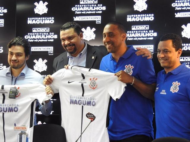 """Técnico do Corinthians prevê projeto vitorioso: """"Vamos brigar com os grandes"""""""