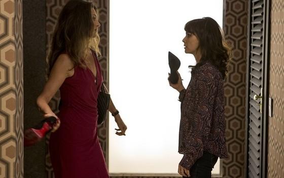 A cena da briga das personagens de Maria Fernanda Cândido e Débora Falabella deu o que falar e rendeu vários memes (Foto: Divulgação/ Rede Globo)
