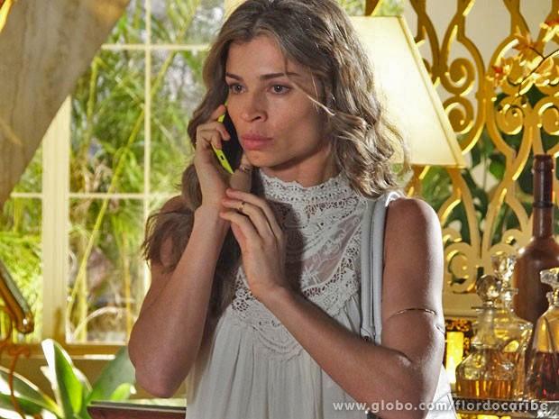 Ester perde a paciência com Alberto (Foto: Flor do Caribe/TV Globo)
