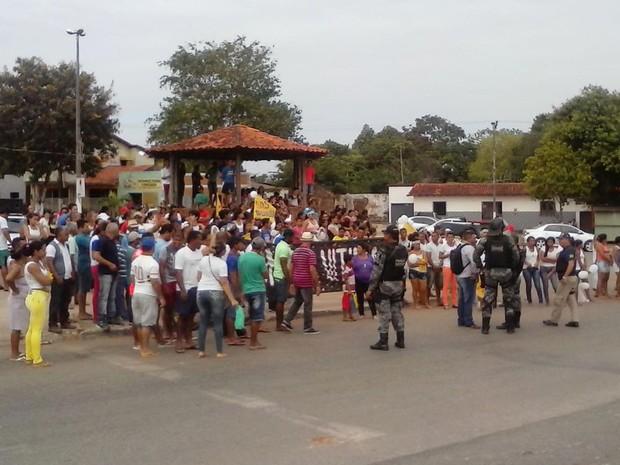 Protesto por segurança na BR-135, em Bacabeira (MA) (Foto: PRF)