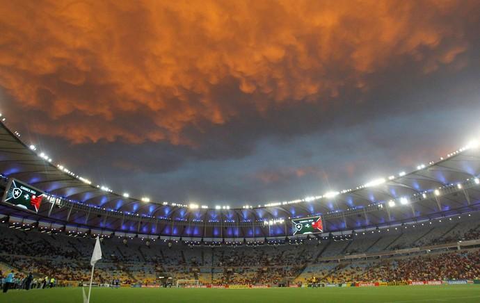 Maracanã Flamengo x Botafogo pôr do sol (Foto: Márcio Alves / O Globo)