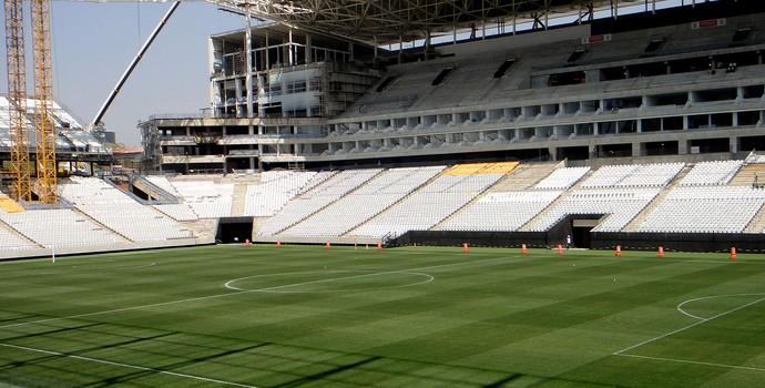 visão de cima do gramado da Arena Corinthians (Foto: Alexandre Lozetti)