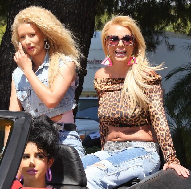 X17 - Britney Spears e Iggy Azzalea em gravação de clipe na Califórnia, nos Estados Unidos (Foto: X17online/ Agência)