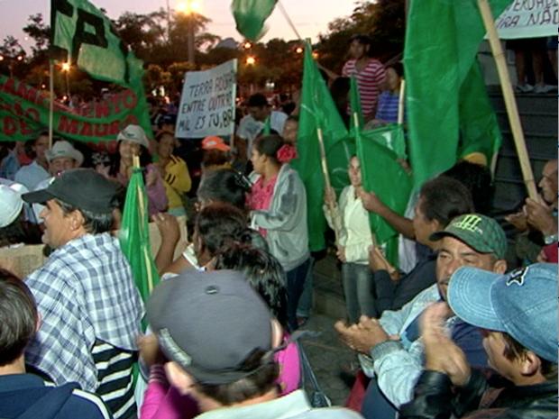 Manifestantes de todas as idades se unem em Vitória. (Foto: Reprodução/TV Gazeta)