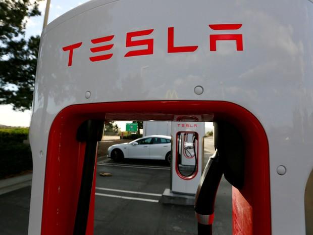 Tesla quer vender carro e elétrico e o painel solar para recarregar (Foto: REUTERS/Sam Mircovich)