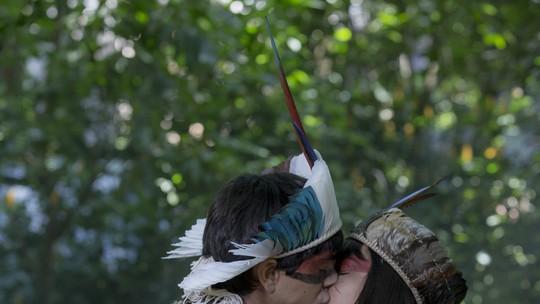 Piatã se declara e beija Jacira