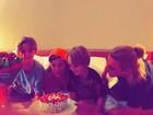 Danielle Winits comemora aniversário com André Gonçalves e os filhos