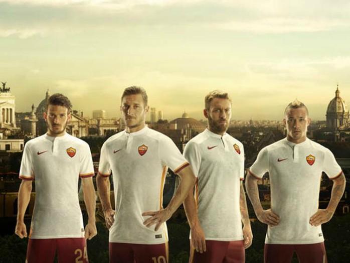 BLOG: Totti estrela campanha de lançamento do segundo uniforme do Roma