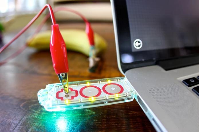 Makey transforma até frutas em botões (Foto: Divulgação)