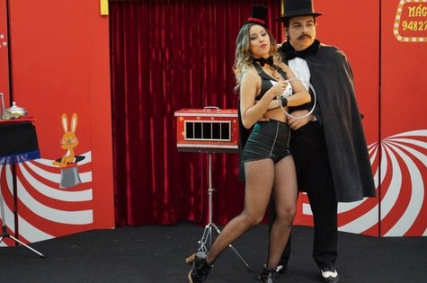 Thati Lopes e Luis Lobianco em cena de 'O grande Gonzalez'  (Foto: Divulgação)
