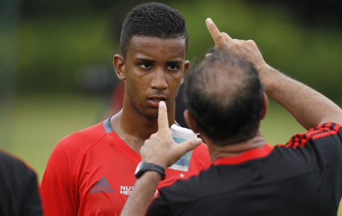 Muricy conversa com Jorge (Foto: Gilvan de Souza / Flamengo.com.br)