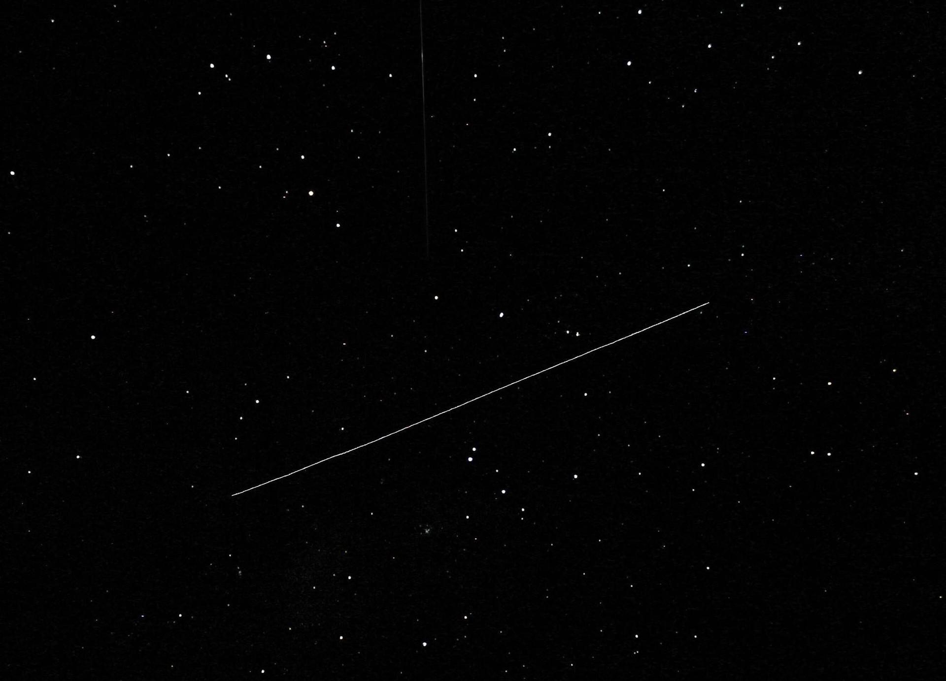 Nos dias certos, a ISS é o terceiro objeto mais brilhante do céu noturno (Foto: Travis Wohlrab/Facebook)