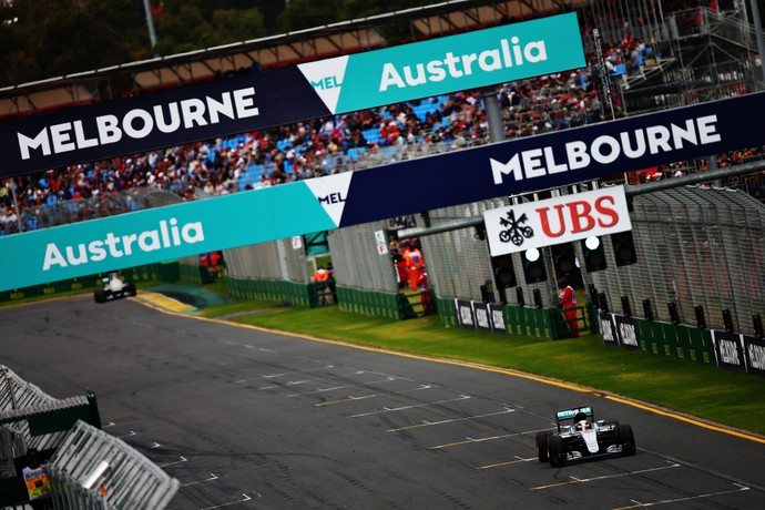 Lewis Hamilton é pole position para o GP da Austrália (Foto: Getty Images)