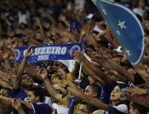 torcida do Cruzeiro x Defensor (Foto: EFE)
