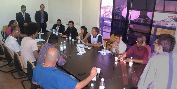 Ordem das entrevistas foi definida através de sorteio realizado durante a reunião (Foto: Divulgação / TV Sergipe)
