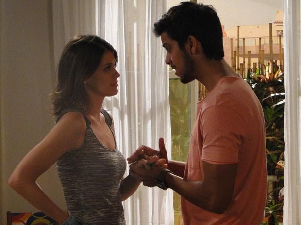 Bruno chama Ana para conversar e diz que ele quer tentar de novo com a ex (Foto: Malhação / Tv Globo)