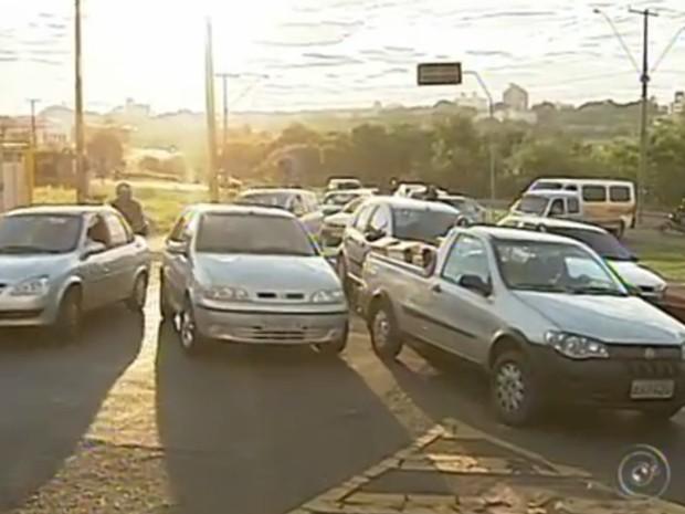 carros estão envolvidos em 38% dos casos de acidentes de trânsito e o restante envolve bicicletas e caminhonetes. (Foto: Reprodução / TV Tem)