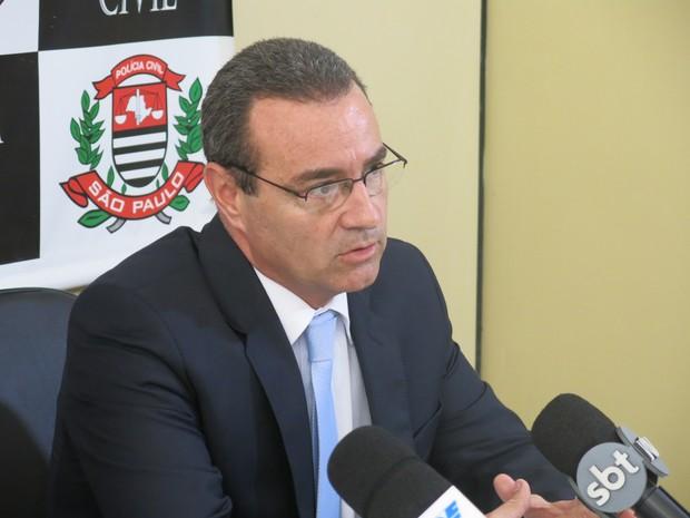 Delegado titular Antonio Carlos concedeu coletiva para a imprensa (Foto: LG Rodrigues / G1)