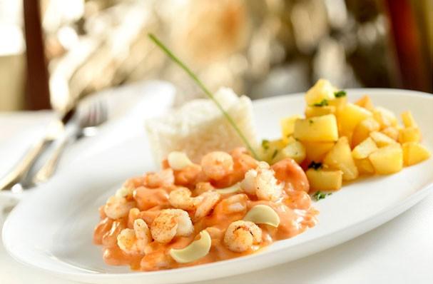 Estrogonofe de camarão é perfeito pro almoço de domingo