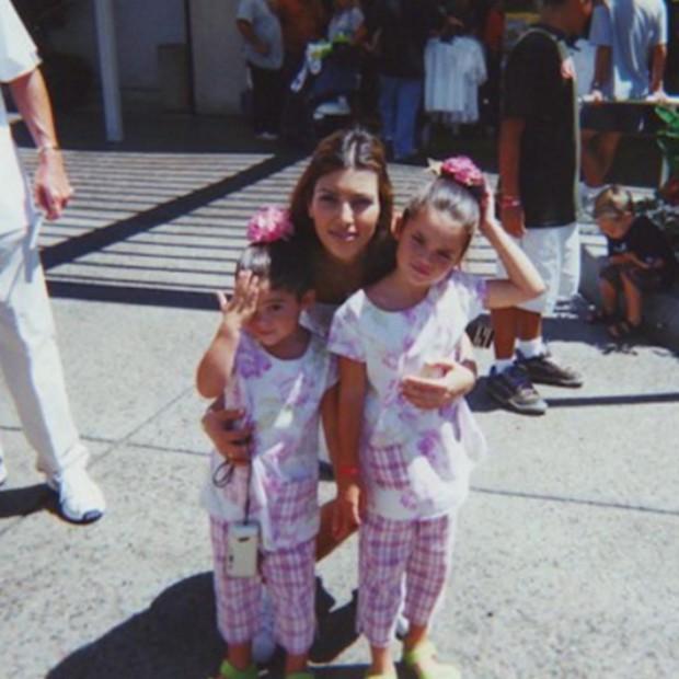 Kylie Jenner mostra foto com Kim Kardashian e Kendall Jenner de quando eram menores; compare