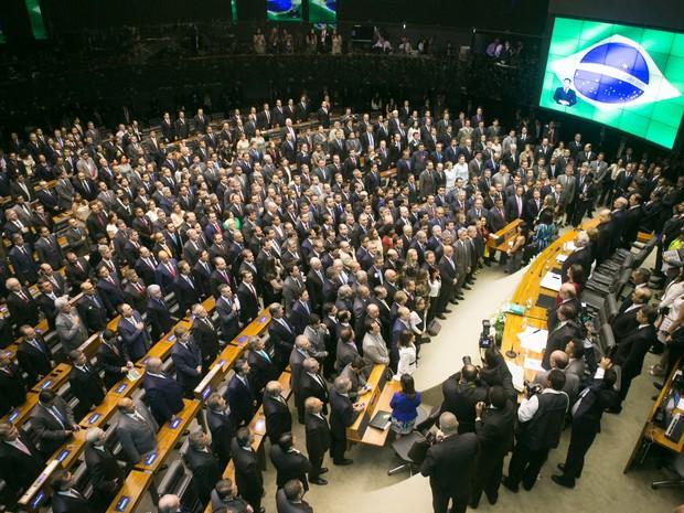 Vista do plenário da Câmara dos Deputados, em Brasília, neste domingo, durante a cerimônia de posse dos 513 deputados federais para um mandato de quatro anos (Foto: ED FERREIRA/ESTADÃO CONTEÚDO)