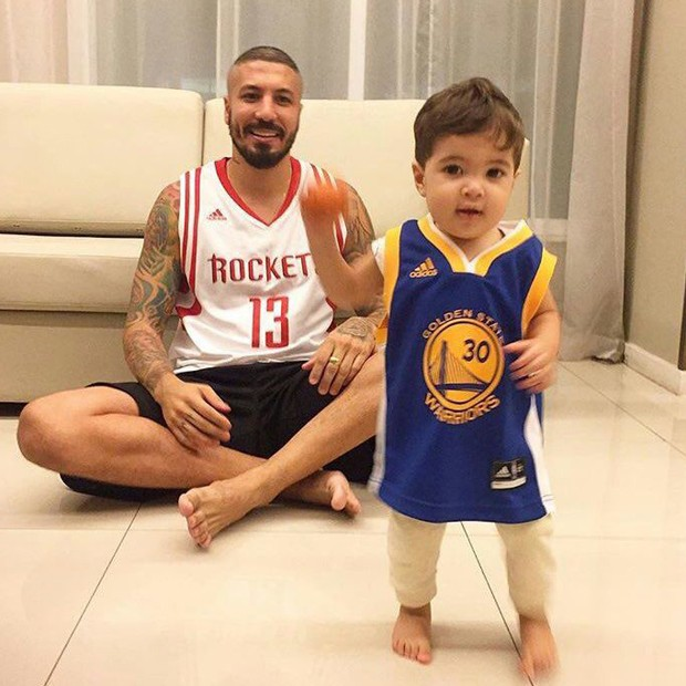 Fernando Medeiros e o filho, Lucca (Foto: Reprodução/Twitter)
