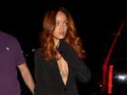 Rihanna vai à boate com suposto affair e encontra Chris Brown