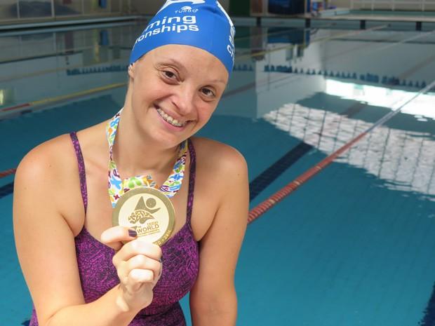 Kelly é a melhor nadadora Sindrome de Down Mosaico do mundo (Foto: Mariane Rossi/G1)
