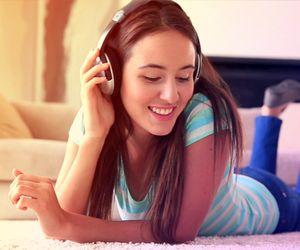 Músicas para ouvir em casa: uma super playlist para os momentos em que você estiver de boa na sua nave